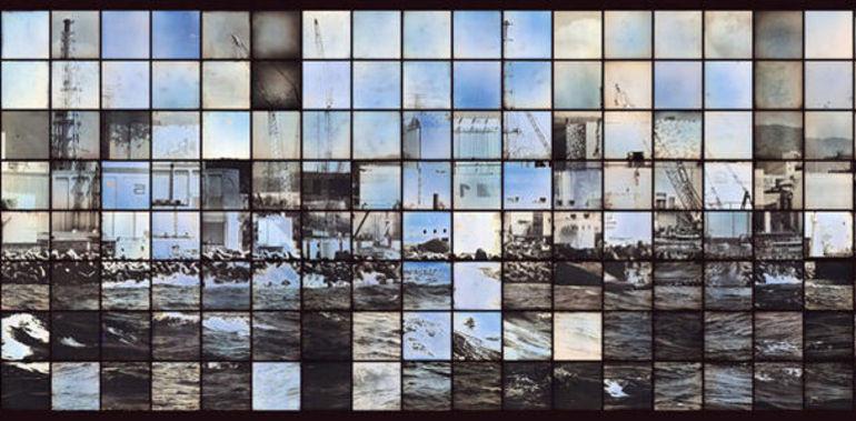 新井卓 「福島第一原子力発電所(部分」2015, 60×2,600cm © Takashi Arai