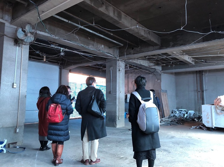 KAGANHOTEL1階現場見学風景