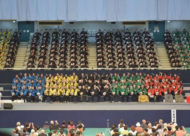 「日本武道館」客席一周 津軽三味線1600人弾き! ギネスへの挑戦!