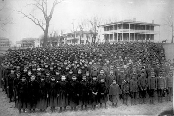 インディアンボーディングスクールの第一号施設 ©Cumberland Historical Society Carlisle PA