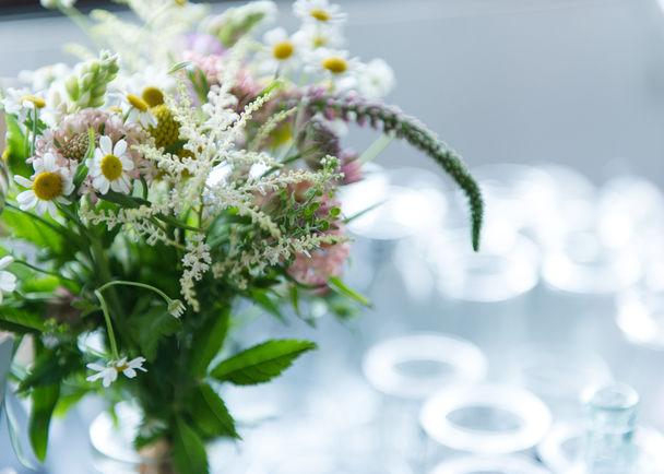 雑誌『フローリスト』が、お花屋さんとともに、花の安らぎ、花を束ねる楽しさと素敵さを、あなたの日常にお届けしたい!