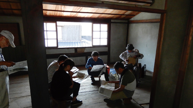 神坂邸2階(日本建築専門家・大学教授・大学生等との打ち合わせの様子)