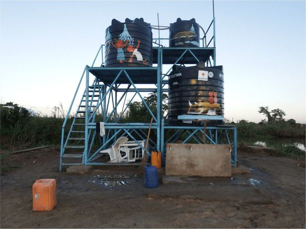大手浄水企業とのコラボレーションでポリタンクへのペインティング