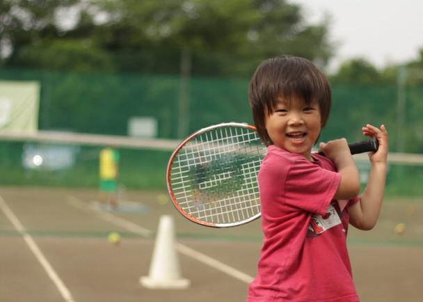 キッズたちのテニスが上達する機会をクラウドファンディングで
