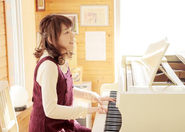 札幌在住・食べ物の歌が得意なシンガーソングライターすずきゆい・春夏秋冬CDリリースプロジェクト